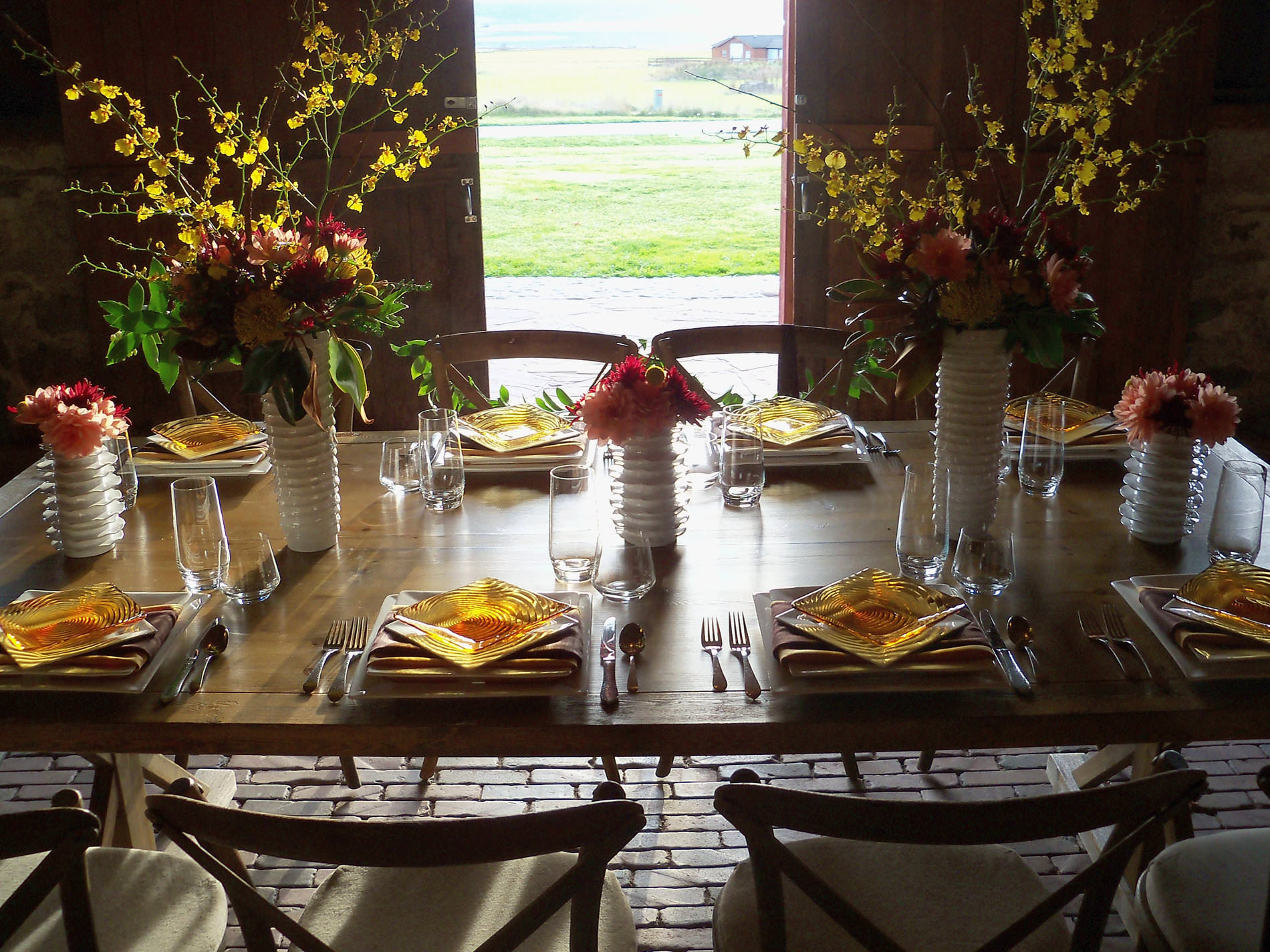 CORT Vineyard Tables